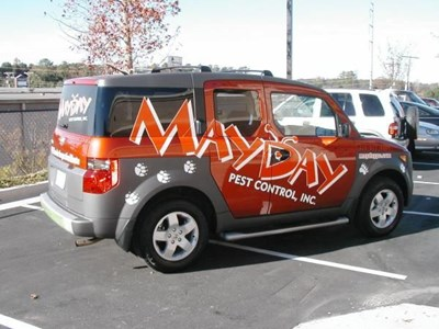 5 Reasons to Use Car Graphics and Wrap Advertising for Your Business